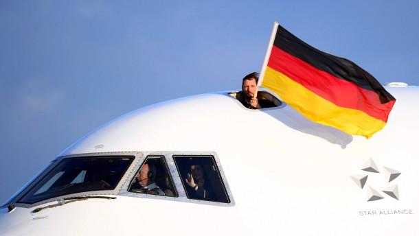 Deutsches Team in Frankfurt gelandet