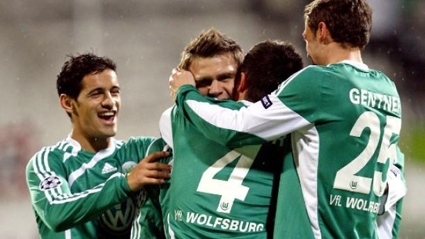 Wolfsburg wahrt Chancen