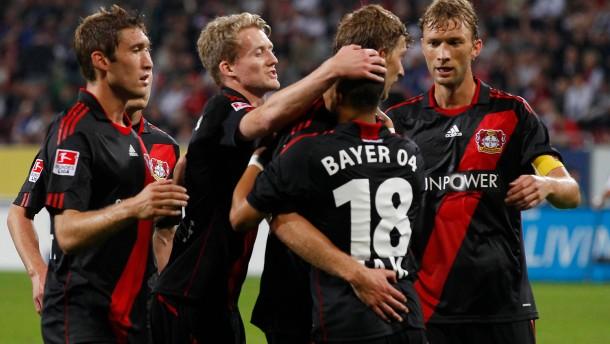 Bayer Leverkusen stürmt an die Spitze