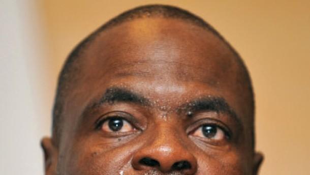 Verdächtige Exekutivmitglieder suspendiert
