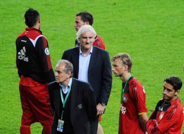 Trost vom erfahrenen Sportdirektor: Rudi Völler ist bei seinen Leverkusenern