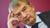 Die Fifa fordert eine Sperre für den früheren DFB-Präsidenten Wolfgang Niersbach.
