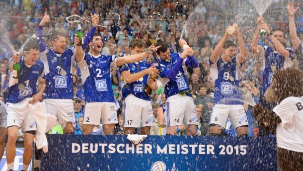 Volleyball friedrichshafen holt sich den titel for Depot friedrichshafen
