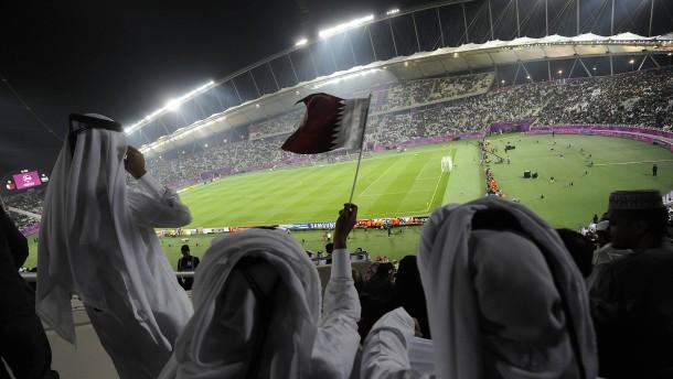 """Qatar führt vor Fußball-WM """"Sündensteuer"""" ein"""