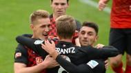 Auch Effenberg kann Freiburg nicht stoppen