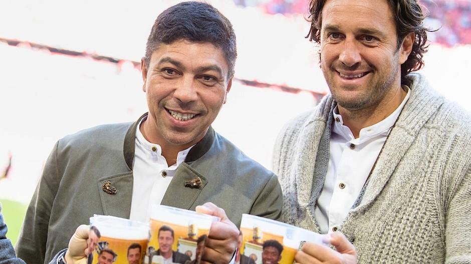 Langjährige Bundesligaspieler: Giovane Elber (Mitte) neben Luca Toni (rechts) und Bixente Lizarazu 2019