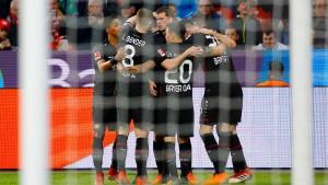 Leverkusen springt nach oben