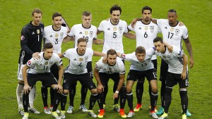 Boateng rettet wieder – Özil findet Lücke nicht