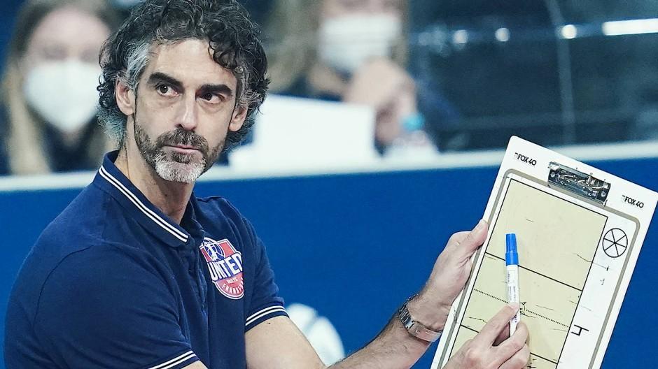 Trainer Juan Manuel Serramalera hat viele Baustellen.