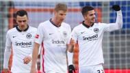 Starke Leistung: Eintracht Frankfurt gewinnt deutlich in Bielefeld.
