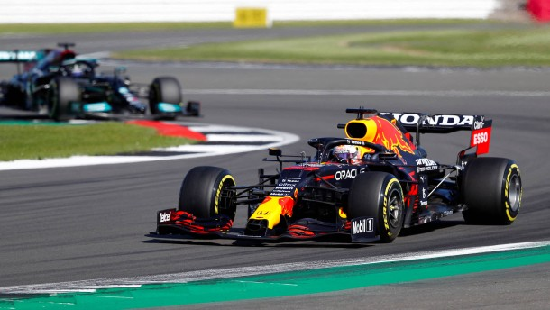 Verstappen gewinnt den ersten Sprint der Formel 1