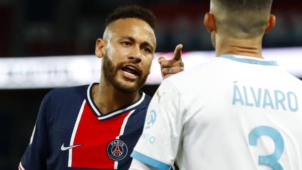 Neymar schlägt zu