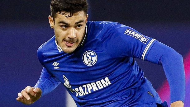 Entsetzen nach Spuck-Attacke von Schalke-Spieler