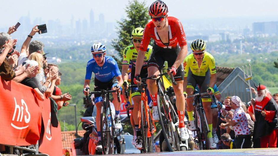 Der Radsportklassiker Eschborn–Frankfurt fordert die Athleten.