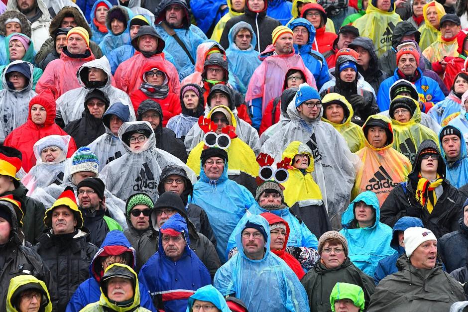 Die Zuschauerzahl stimmt: Biathlon-Fans in Oberhof