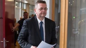 Die schwierige Suche nach dem neuen DFB-Präsidenten