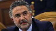 Staatsanwalt Renato Cortese warnt vor der immer engeren Verbindung zwischen Sport und Mafia.