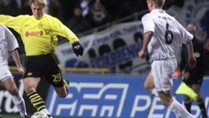 Schalke holt Poulsen und ärgert Dortmund