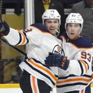 Große Ehre: Leon Draiaitl (links) ist erfolgreicher als jeder andere NHL-Spieler gewesen.