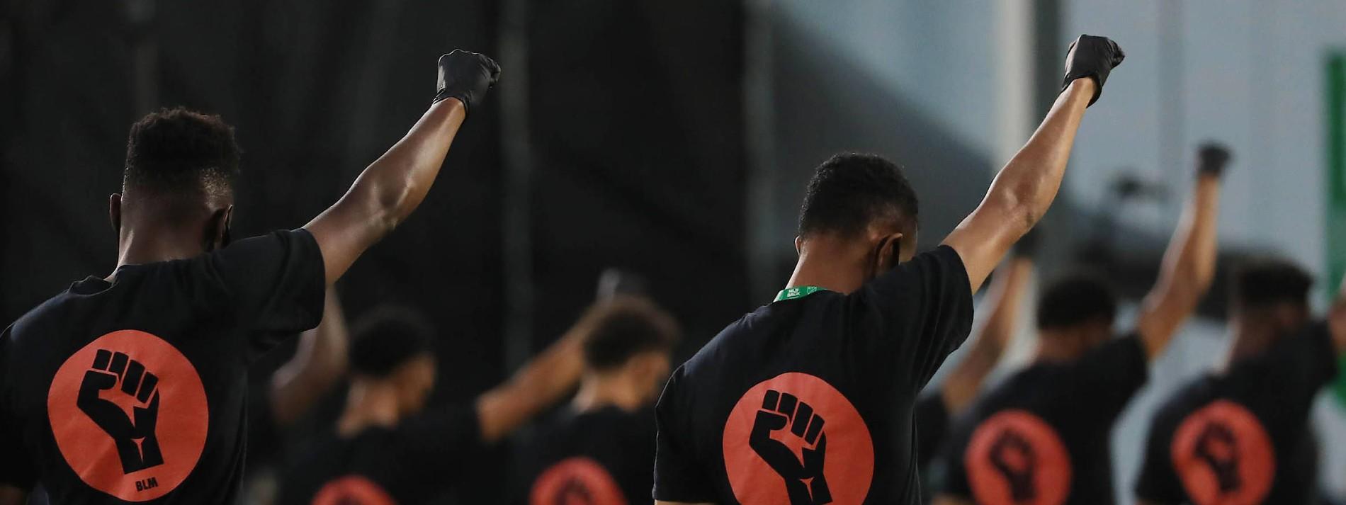 Die amerikanischen Fußballer bekennen Farbe