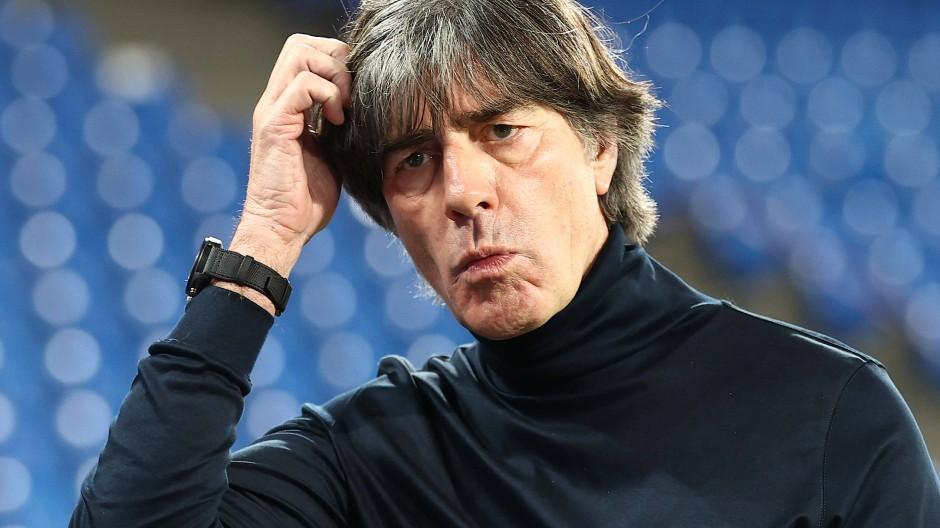 Bundestrainer Joachim Löw hat vor der Reise in die Ukraine ein mulmiges Gefühl .