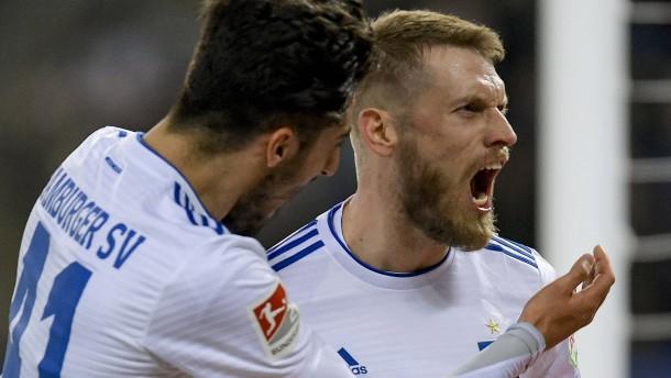 Ärger beim HSV nach dem glücklichen Sieg
