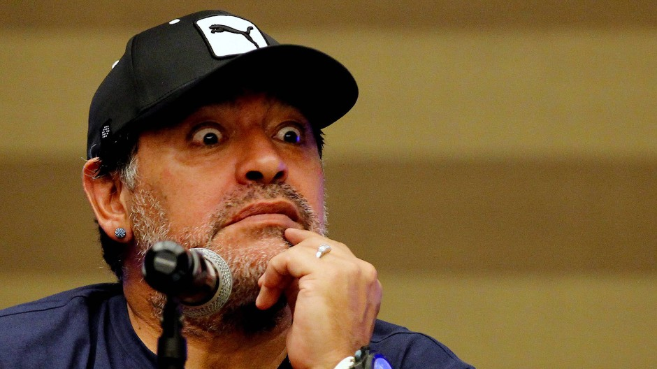 Diego Maradona unterstützt Gianni Infantino.