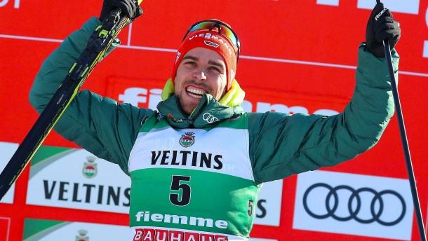 Rydzek springt und läuft zum ersten Saisonsieg