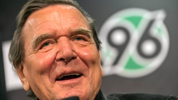 Gerhard Schröder Aufsichtsratsvorsitzender bei Hannover 96