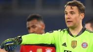 Manuel Neuers Einsatz im Rückspiel gegen Lazio Rom ist ungewiss.
