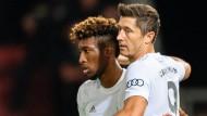 Routinierte Siegtorschützen: Bayern Münchens Robert Lewandowski (r) und Kingsley Coman