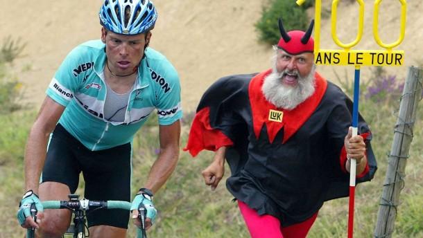 Ende des teuflischen Spiels? Ein scharfes Anti-Doping-Gesetz rückte künftig auch Doper wie Jan Ullri