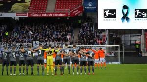 Gedenkminute vor Bundesligaspielen