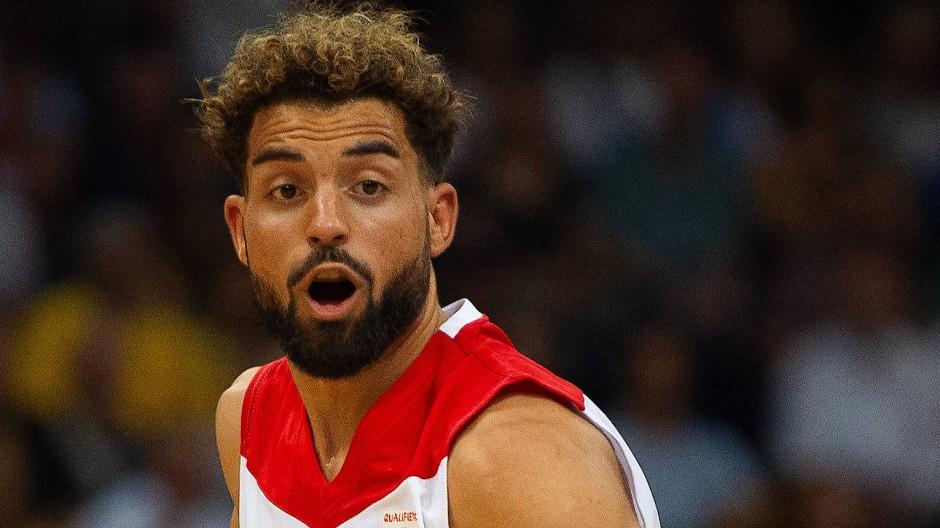 Nationalspieler Joshiko Saibou klagt gegen seine Entlassung durch die Telekom Baskets Bonn.