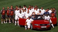 So ging's mit Audi los: Ein Werbefoto der Bayern-Profis im Jahr 2002
