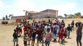 Dreihundert Schul- und Vorschulkinder beherbergt die Einrichtung von Tegla Loroupe