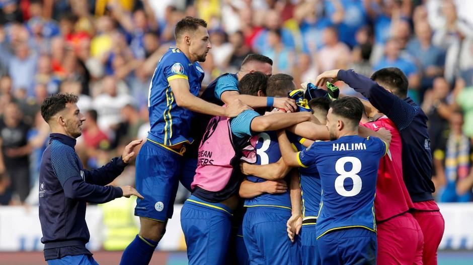 Oh, wie schön ist Pristina: Im neuen Stadion siegen die Kosovaren gegen Tschechien