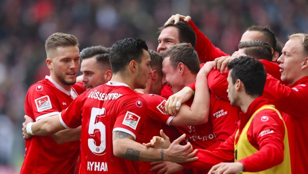 Düsseldorf nähert sich der Bundesliga