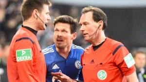 Schalke schimpft auf den Schiedsrichter
