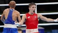 Der Ire Michael Conlan (Vorne) wütete nach seiner Viertelfinal-Niederlage im Bantamgewicht gegen den Russen Wladimir Nikitin.