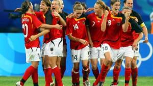 Deutsche Frauen mit einem Kraftakt ins Halbfinale