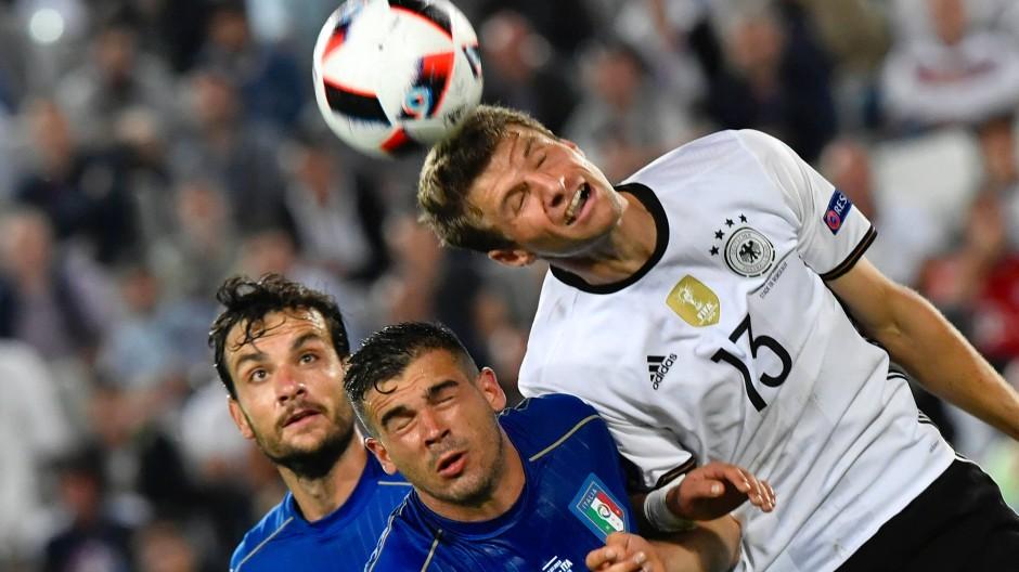 Ein Klassiker, immer gerne gesehen: Deutschland gegen Italien bei der EM 2016.
