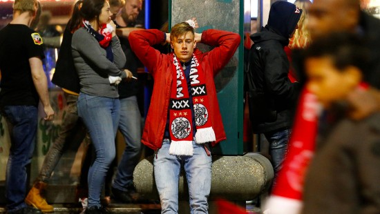 Fans von Ajax Amsterdam zwischen Trauer und Stolz