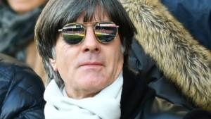 "Löw beklagt ""Sittenverfall"" bei Fußballprofis"