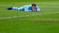 Er hält den traurigsten Posten beim Hamburger SV: Torwart Christian Mathenia