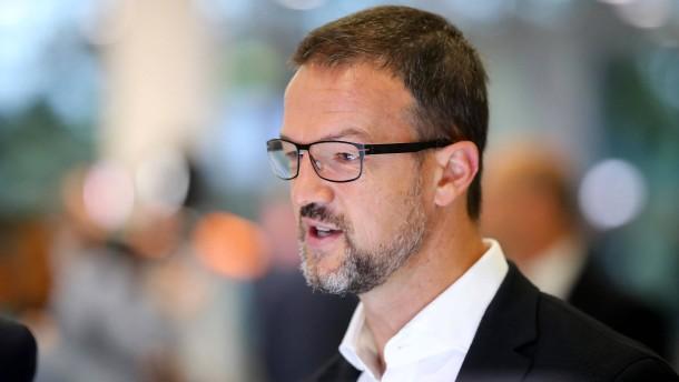 Eintracht-Fans kritisieren Bobic harsch