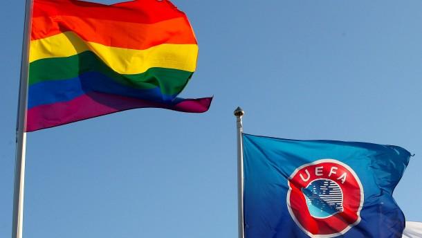 UEFA untersagt Regenbogen auf Werbebanden