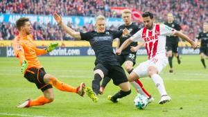 1. FC Köln verurteilt Fanverhalten