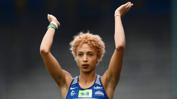 Malaika Mihambo knackt Sieben-Meter-Marke