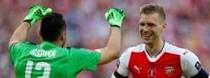 Jubel in Wembley: Per Mertesacker (rechts) feiert den Pokalsieg mit Arsenal.